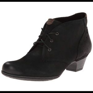 Rockport Cobb Hill Aria ankle booties 9M
